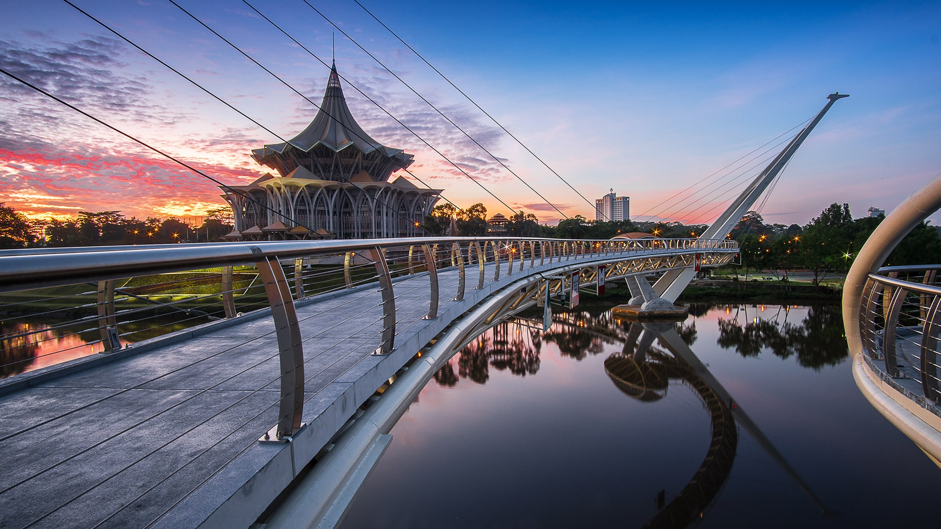 Top 8 MUST-VISIT Attractions in Kuching
